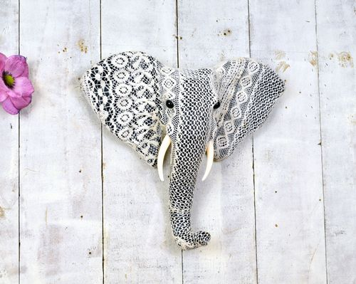 Lace Elephant Head 38cm